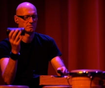 """""""percussion lounge"""" mit Shaker und Claves."""